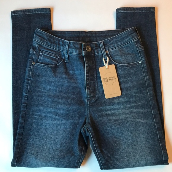 artistic milliners Denim - NWT Artistic Milliners High Rise Cropped Jeans